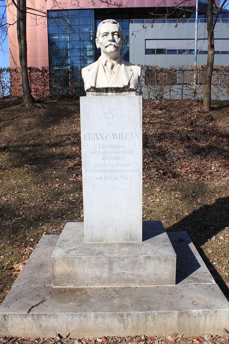 Wilfan-Denkmal © by Raul de Chissota