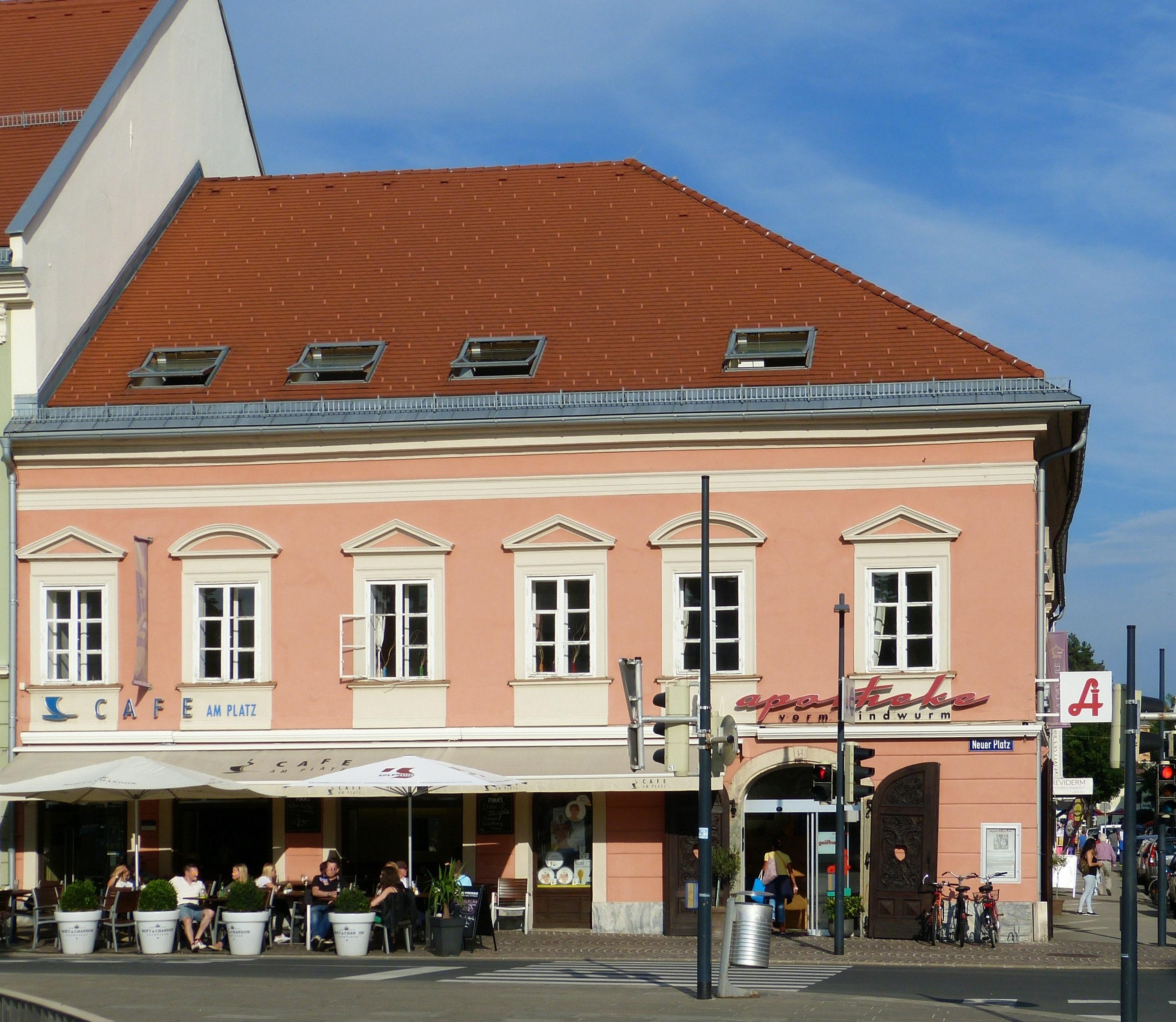 Adler-Apotheke, Apotheke vorm Lindwurm © by Niki.L