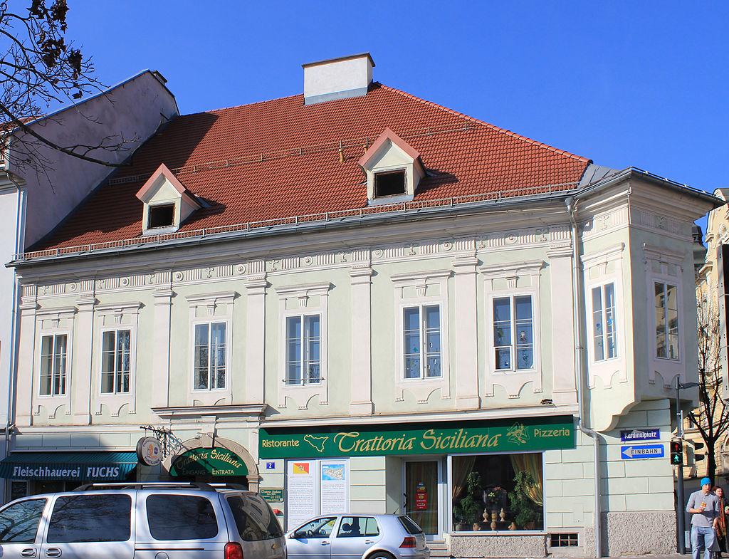 Bürgerhaus, Wohn- und Geschäftshaus © Raul de Chissota