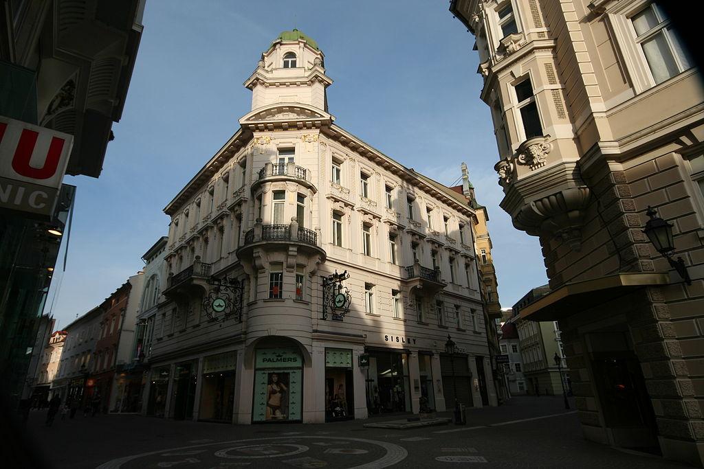 Wohn- und Geschäftshaus © by JJ55
