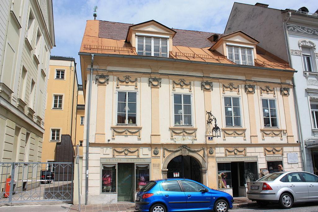 Bürgerhaus, Geschäftshaus © by Mefusbren69