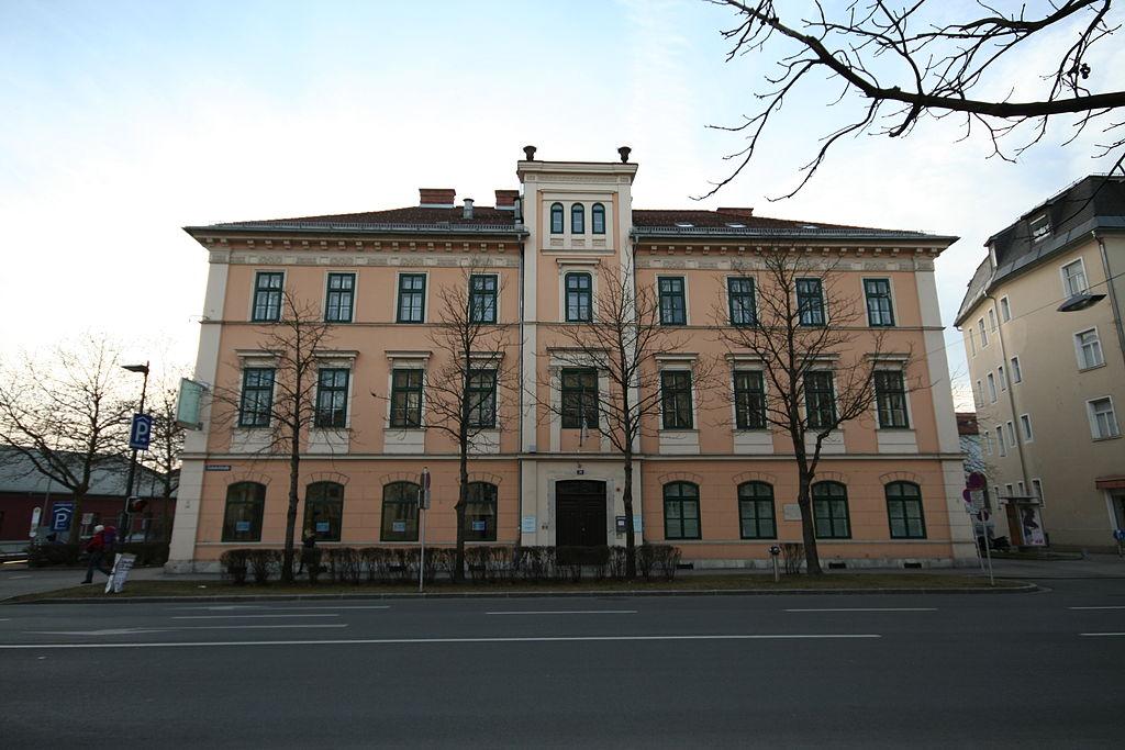 Robert Musil Geburtshaus, Museum u. Literaturhaus © by JJ55